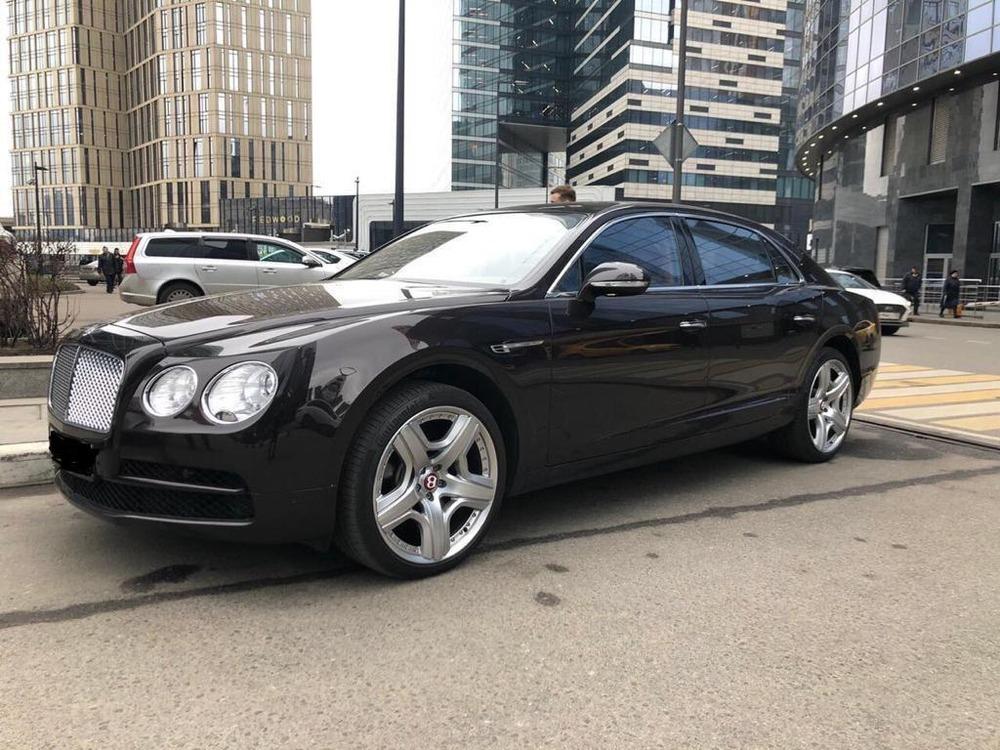 Аренда легкового автомобиля Bentley